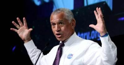 L'Administrateur de la NASA Suspendu après avoir déclaré qu'une Invasion Extraterrestre est Imminente