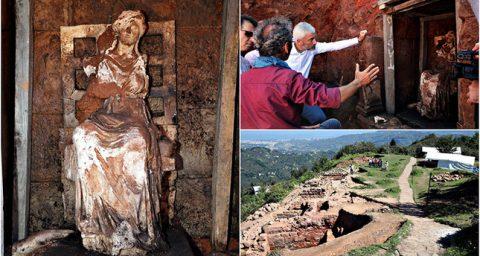 Une statue en marbre de la déesse mère Cybèle découverte en Turquie