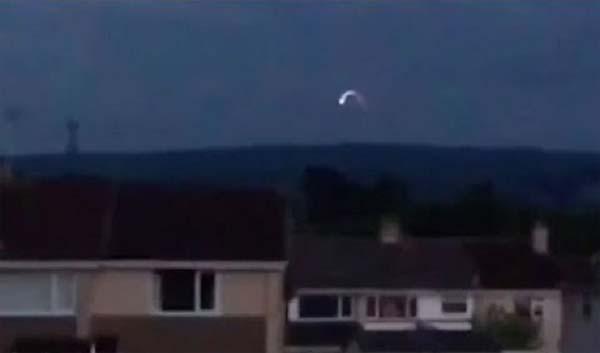 Vidéo - Un OVNI observé à Cheval sur l'Atlantique