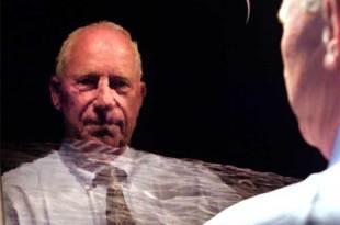 Vidéo: Alfred Worden de la mission Apollo 15 est convaincu que l'humanité descend des extraterrestres