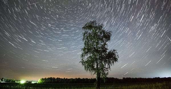 Vidéos: Comète, ovni, fusée? Une mystérieuse boule de feu a illuminé le ciel au Canada