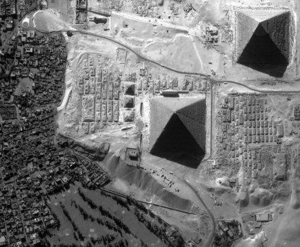 ob_aea53d_huit-face-pyramide-kheops-egypte-01-10