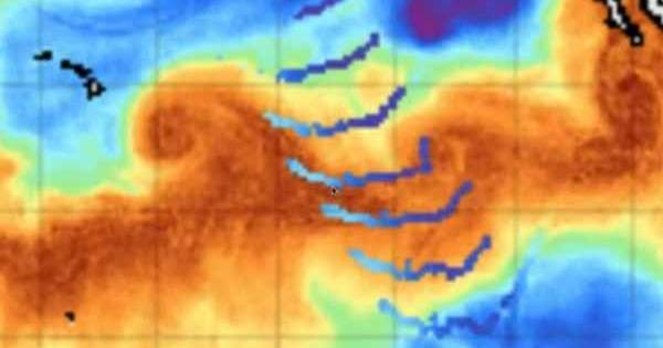 Vidéo: D'étranges impulsions énergétiques en provenance de l'Antarctique visaient deux cyclones
