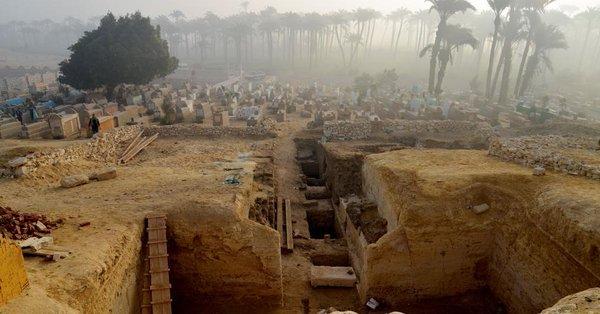 Egypte: 802 tombeaux viennent d'être découverts