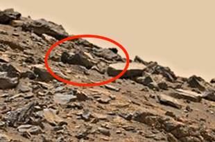 La dépouille d'un extraterrestre mort gît toujours à la surface de Mars