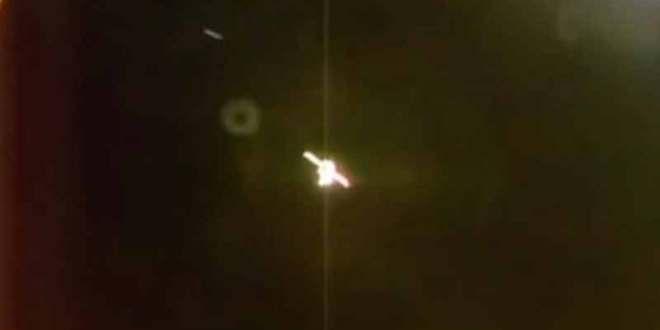 Les webcams de l'ISS ont filmé un OVNI passant à toute vitesse