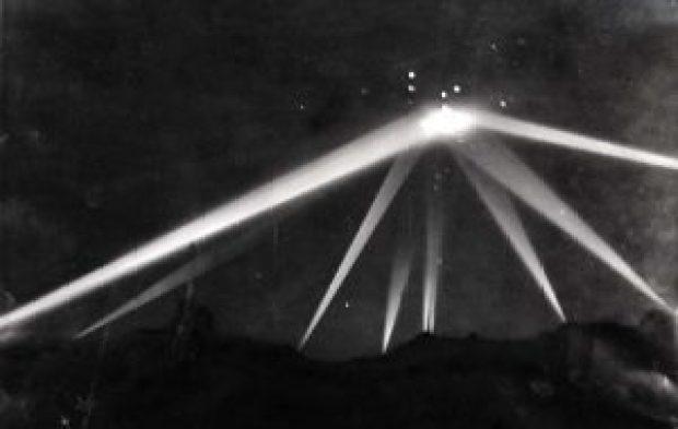 Battle of Los Angeles UFO photo