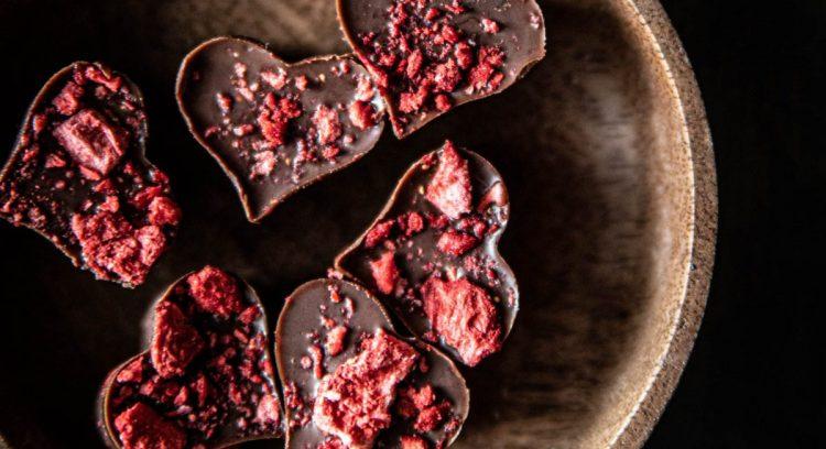 mansikka-suklaafudget