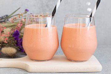 mansikka-porkkanasmoothie