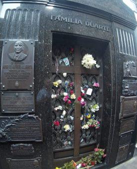 Jazigo Evita Peron - Impossível tirar foto de frente.