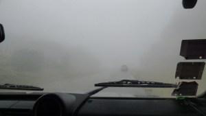 Visibilidade baixa na estrada