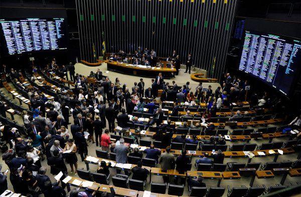 Sessão do Congresso Nacional nesta terça-feira, 03, durou seis horas