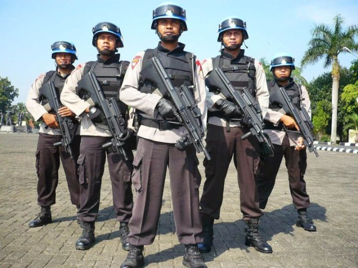 polisi Jenis Pekerjaan yang menghasilkan Jasa