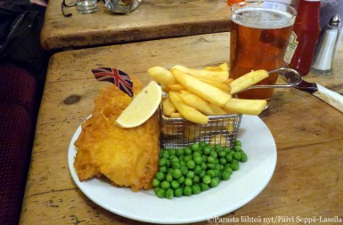 Fish and chips -annos The White Horse-pubissa.
