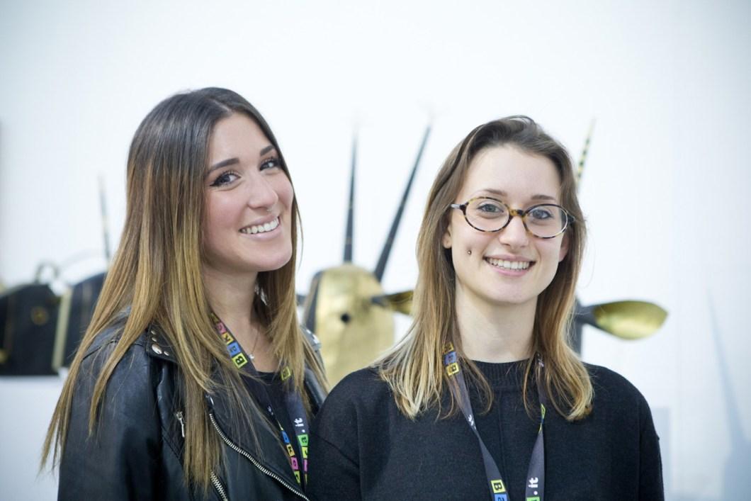 Le curatrici Sabrina Losenno e Roberta Reginella