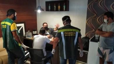 Photo of Acusado de tentar matar goleiro Bruno, dono de restaurante tem carro apedrejado