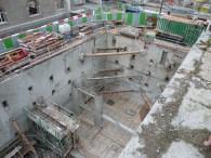 Début d'érection des murs de soutenement des dalles des parkings et préparation du coulage du radier