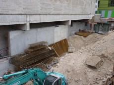 Raccordement du mur de la rampe d'accès aux parking, au nord