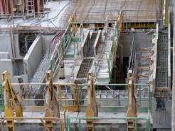 Construction des dernières poutres maîtresses