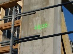 Sur le mur latéral Ouest de Parc 17, 1er étage