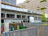 2° étage achevé, pose des supports pour l'installation des balcons du 3° étage