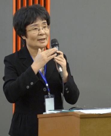 """Mme LIU nous explique le concept """"Zhi Wei Bing"""" en lien avec le Qigong"""