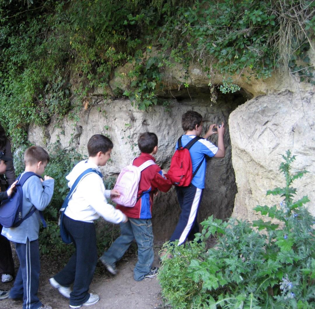 visita-area-archeologica-di-veioimg_0167a