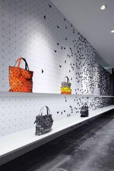 Mur entièrement digital dans un showroom Issey Miyake à Singapour - Crédit photo Pinterest
