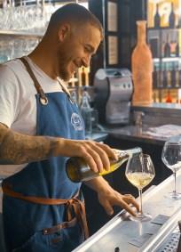 photographie d'un barman du groupe Comptoir Italien.