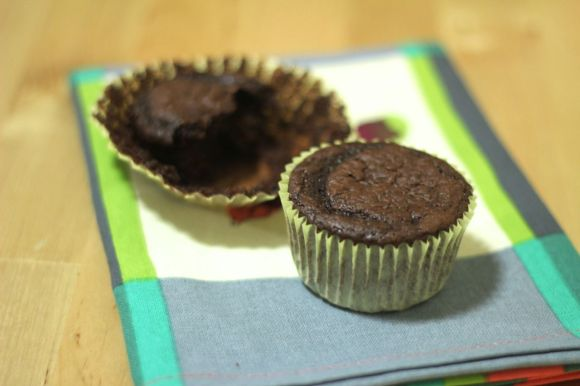 Try a better for you boxed cake mix using greek yogurt and almond milk | Parental Perspective