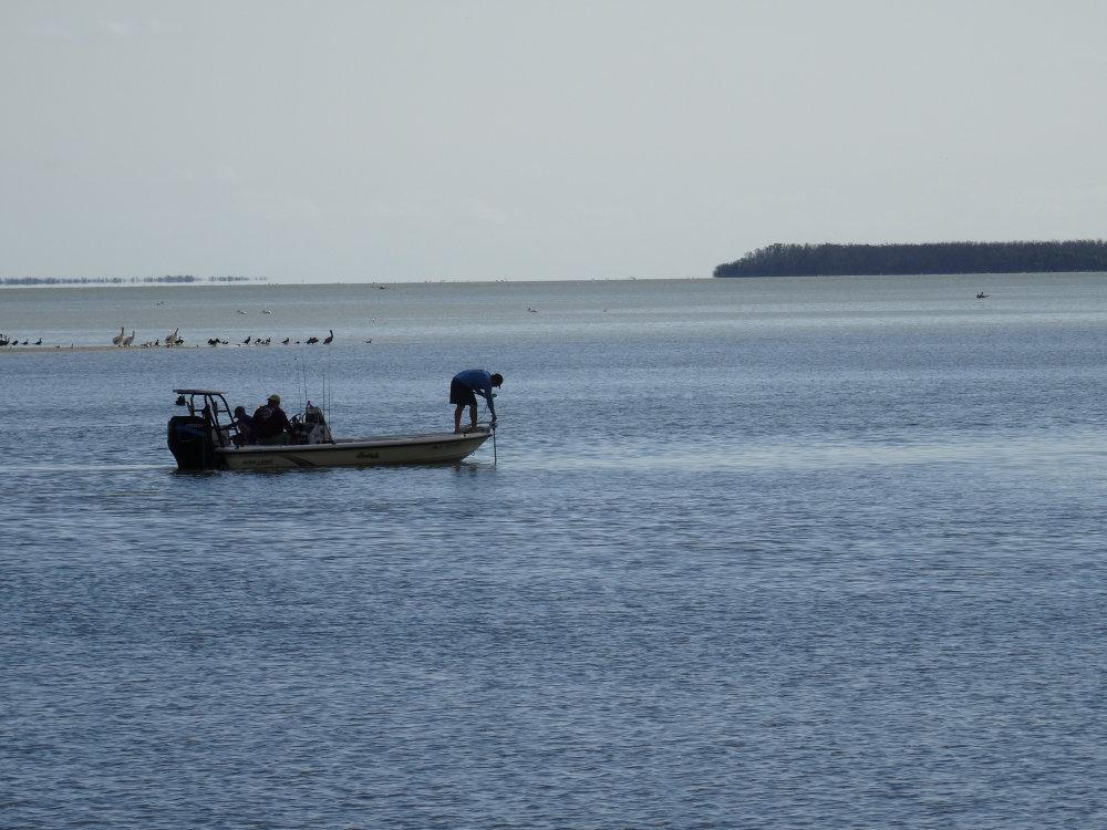 Pêcheurs au large de Flamingo Beach