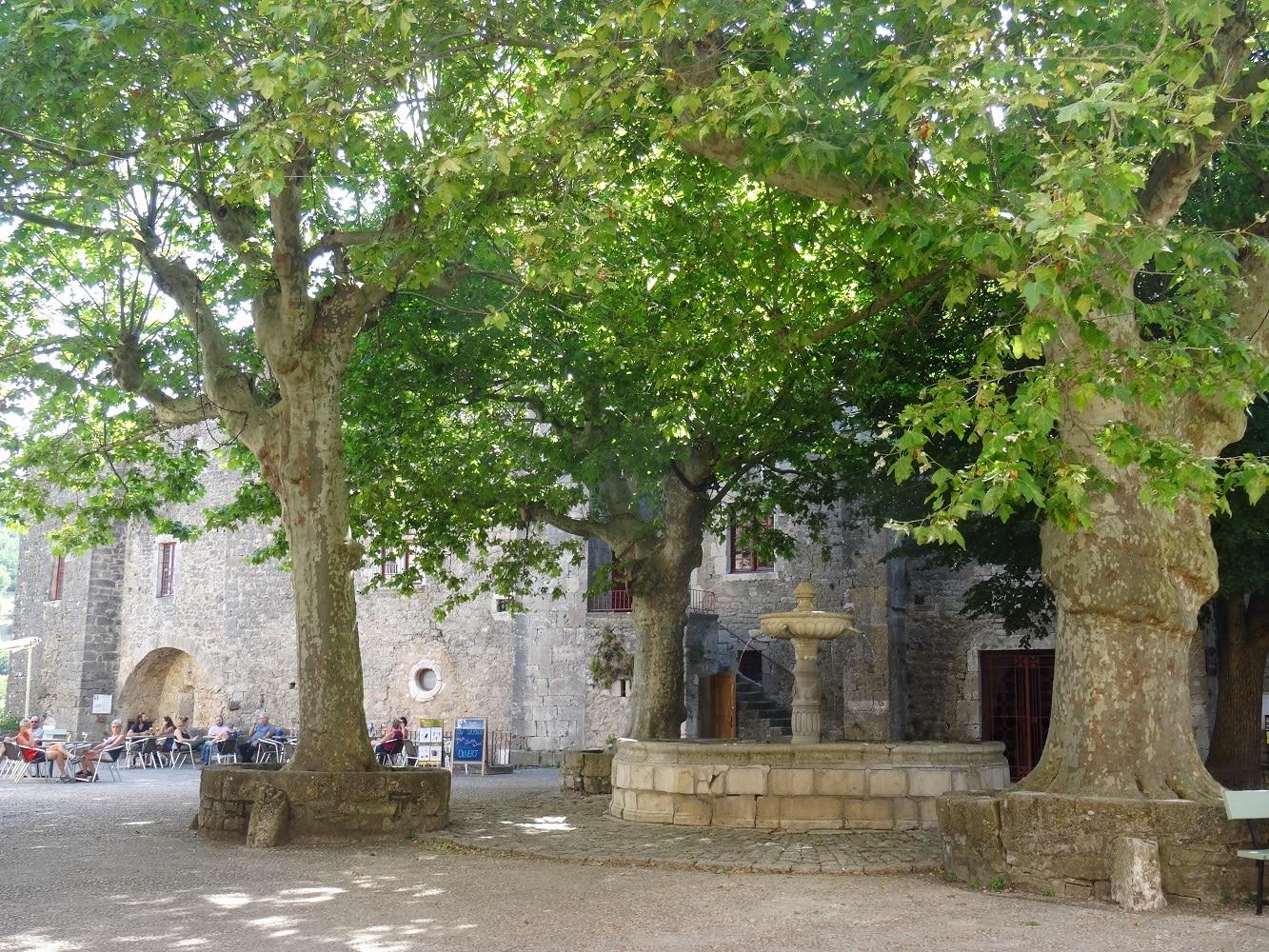 Sainte Eulalie de Cernon, cité templière de l'Aveyron