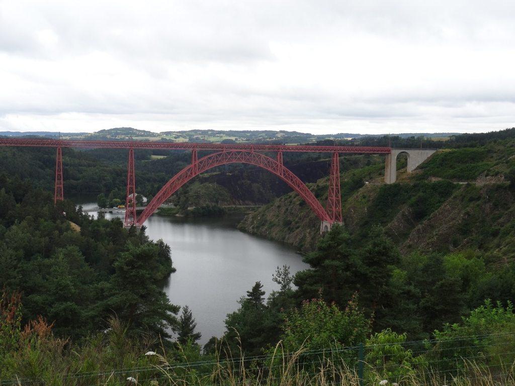 Viaduc de Garabit - Point de vue depuis l'aire du Cantal sur l'A75