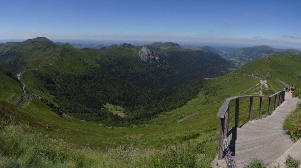 Panorama depuis le sommet du Puy Mary