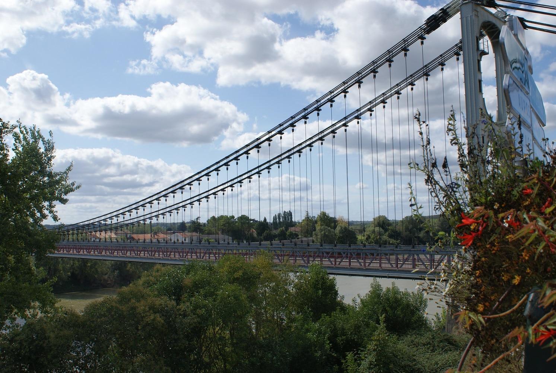 Le pont de Rouergue sur la Garonne à La Réole