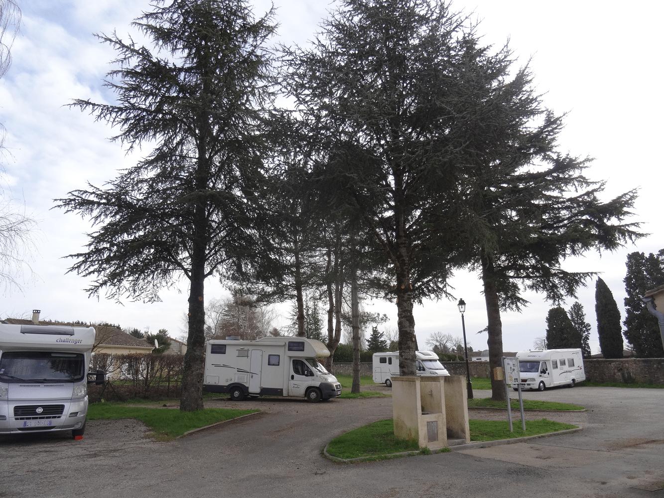 Aire camping-car de Monpazier en Dordogne