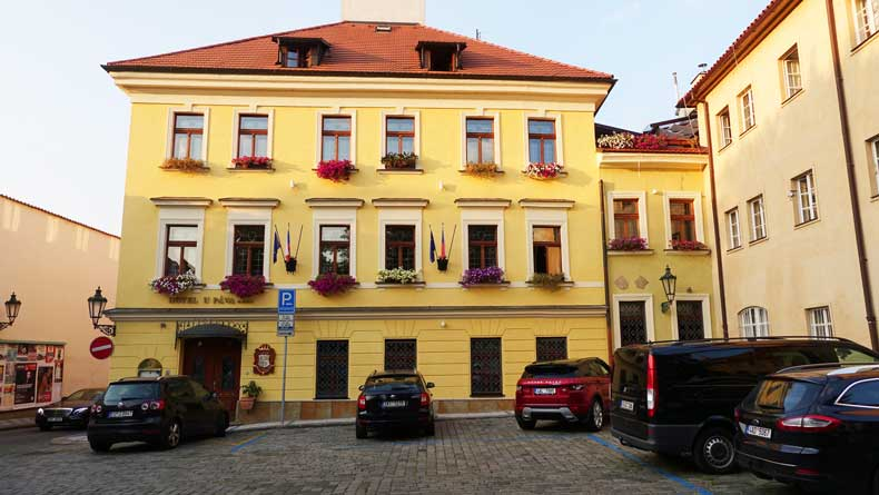 Hotel U Pava, Prague: location, location, staff