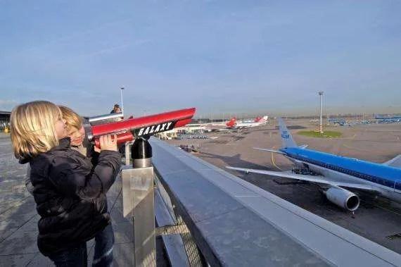 vliegtuigspotten met je zoon