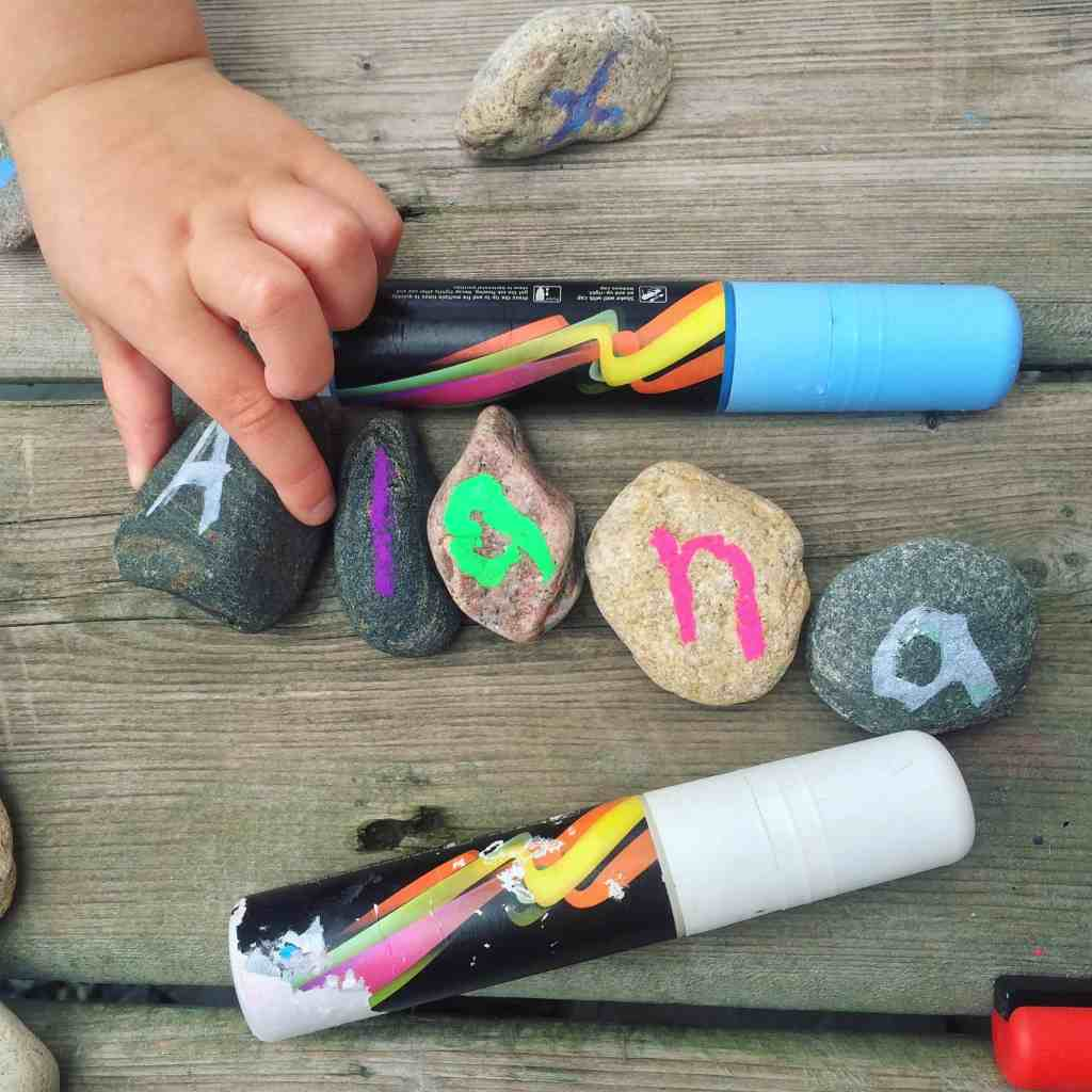 Nature scavenger hunt crafts