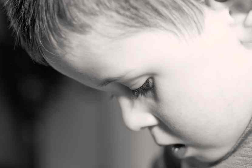 Help calm down an angry child with these positive parenting strategies