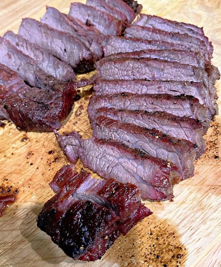 slicing steak