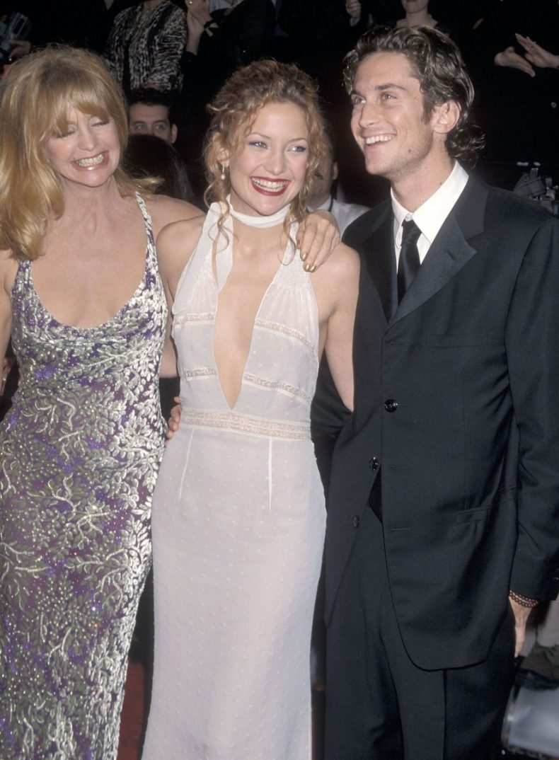 Goldie Hawn, Kate Hudson, and Oliver Hudson attending the 14th Annual American Comedy Awards in 2000