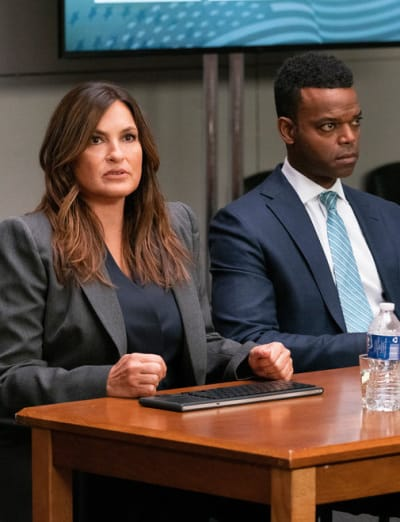 Benson's Loyalty Is Tested - Law & Order: SVU Season 23 Episode 1