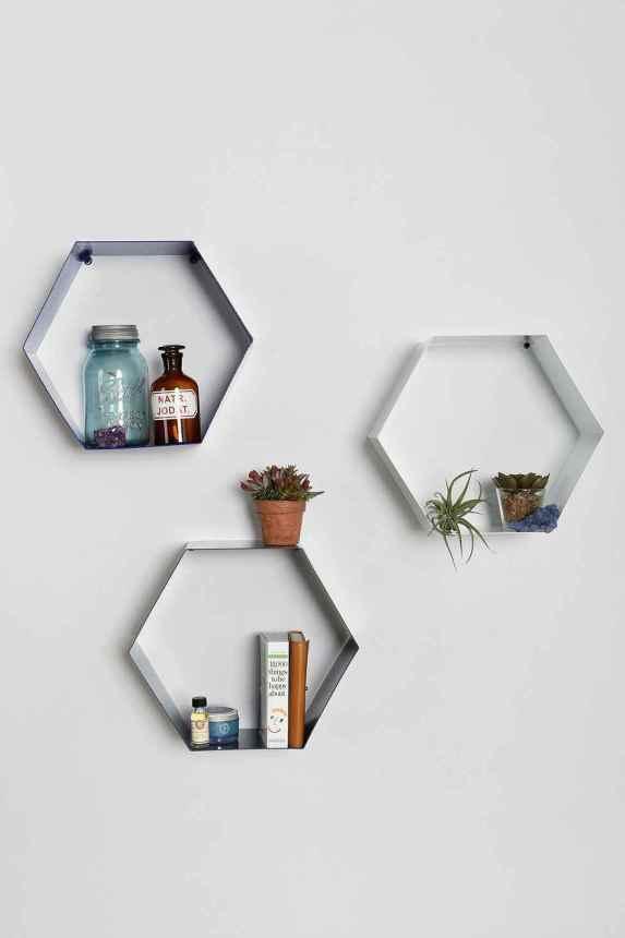 hexagon-shelves-in-white