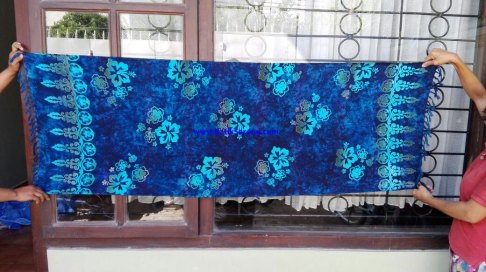 sarong521-32-sarongs-from-indonesia