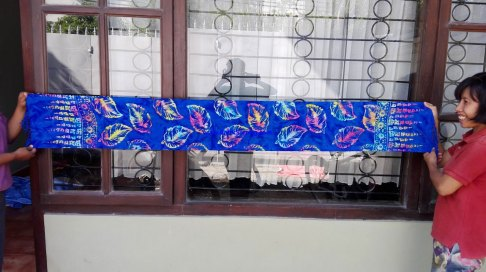 sarong521-9-sarongs-from-indonesia