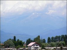 Poslední pohled na hory po cestě na jih, k Dunaji.
