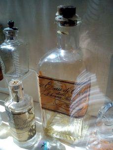 historic perfume glass bottle (1)1
