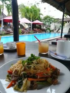 blog-voyage-couple-parfums-de-liberte-leo-et-julie-petit-budget-repas-vietnam-nouilles