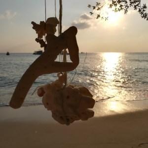 blog-voyage-couple-parfums-de-liberte-leo-et-julie-petit-budget-koh-tao-coquillage